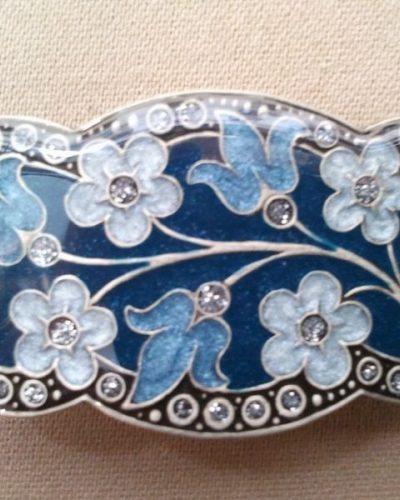 Pasador esmaltado de Menorca Bouquet azul.